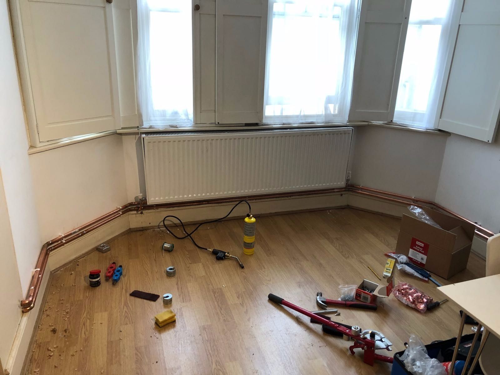 supply and fit of new heating pipes at residential flat