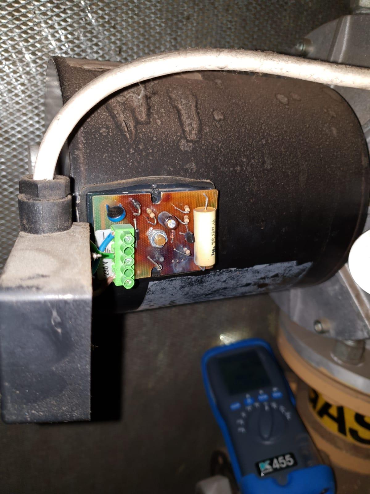 Commercial size gas solenoid valve's controls burnt