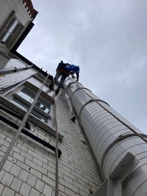 Maybe-odd-job-for-others-but-this-is-what-these-guys-are-best-at,-making-ventilation-system-clean-doesn't-matter-where-they-are
